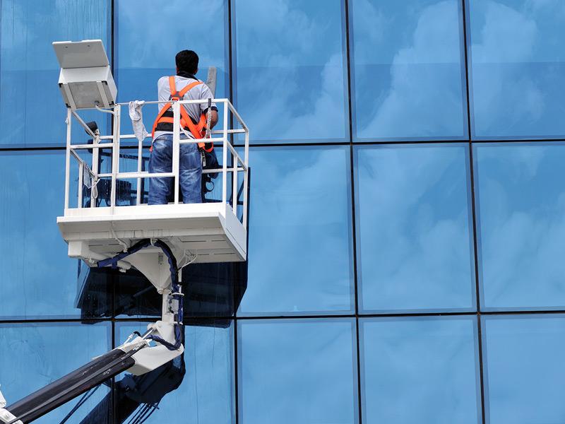 Wir sind der Experte für Fassadenreinigung.